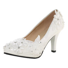 Kvinnor Lackskinn Stilettklack Stängt Toe Pumps med Strass Stitching Lace Applikationer