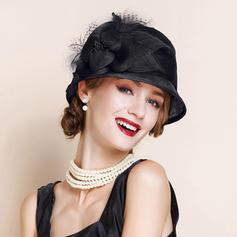 Dames Beau Batiste avec Feather Chapeau melon / Chapeau cloche/Chapeaux Tea Party