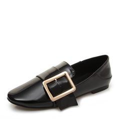 Frauen Lackleder Flascher Absatz Flache Schuhe Geschlossene Zehe mit Schnalle Schuhe