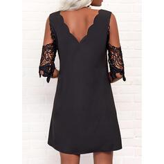 Sólido Encaje Mangas 1/2 Vestidos sueltos Sobre la Rodilla Pequeños Negros/Elegante Túnica Vestidos