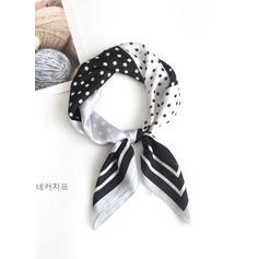Puntíky Čtverec/Lehká váha Čtvercový šátek