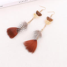 Vintage Alloy Feather Acrylic Women's Fashion Earrings