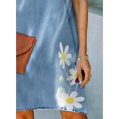 Tisk/Květiny Krátké rukávy Splývavé Délka ke kolenům Neformální Šaty