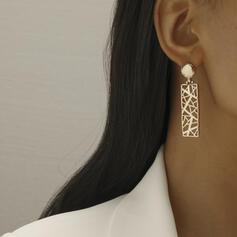 Exquisite Stylish Alloy Women's Earrings 2 PCS