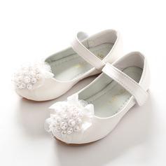 A menina de Toe rodada Fechados imitação de couro Heel plana Sapatas do florista com Beading Bowknot Velcro Flor