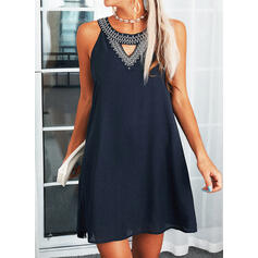 Sequins/Solid Sleeveless Shift Above Knee Elegant Dresses