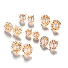Exquisito Aleación La perla de faux con Perlas de imitación Señoras' Pendientes de la manera (Juego de 6 pares)