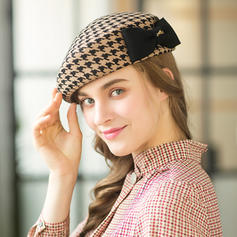 Ladies' Elegant/Exquisite/Vintage Wool With Bowknot Beret Hats