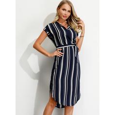 縞模様の 半袖 シースドレス 膝丈 カジュアル ドレス