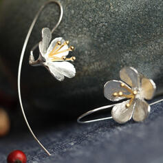 Vintage Flower Shaped Alloy With Flowers Earrings (Set of 2)