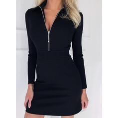 Couleur Unie Manches Longues Fourreau Au-dessus Du Genou Petites Robes Noires/Élégante Robes