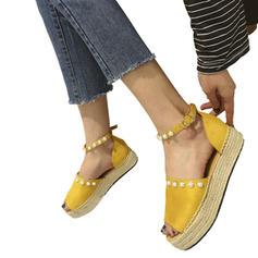 Kvinnor PU Flat Heel Platta Skor / Fritidsskor med Oäkta Pearl Spänne skor