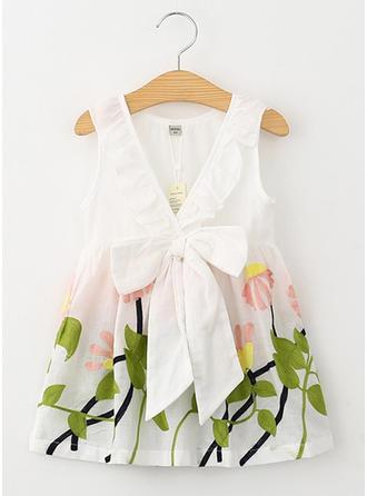 Meninas Neck redonda Floral Bordados Casual Bonito Vestido
