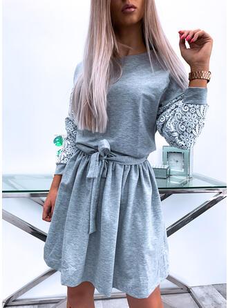 Krajka/Pevný Dlouhé rukávy Áčkové Nad kolena Neformální/Elegantní Šaty