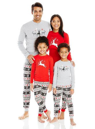 Rensdyr Print Familie Matchende Jul Pyjamas
