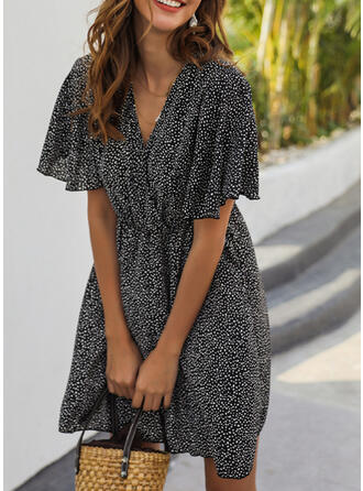 PolkaDot Short Sleeves/Flare Sleeves A-line Above Knee Casual/Elegant Dresses