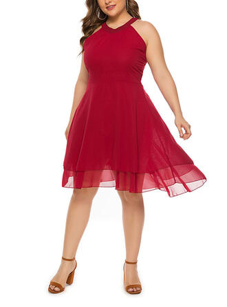 Solid Sleeveless A-line Knee Length Plus Size Dresses