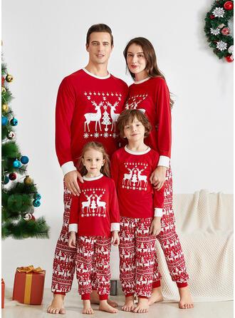Rensdyr Letter Familie Matchende Jul Pyjamas