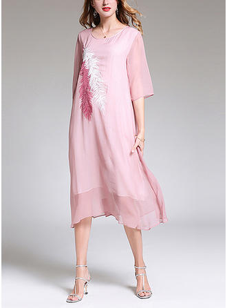 Embroidery Round Neck Midi Shift Dress