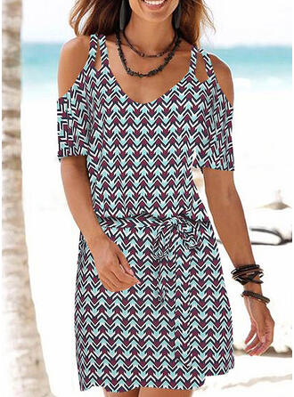 Geometric Print Cold Shoulder Sleeve Sheath Above Knee Casual/Boho/Vacation Dresses