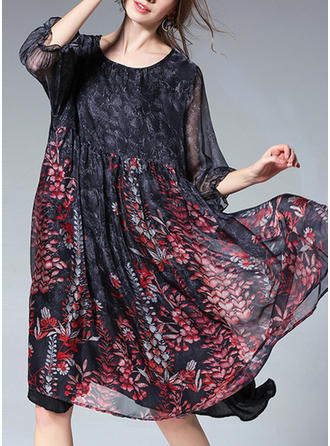 Floral Round Neck Knee Length Shift Dress