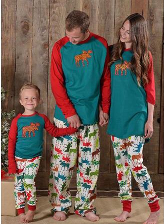 Color-block Deer Family Matching Pajamas