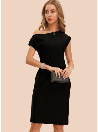 Couleur Unie Manches Courtes Fourreau Longueur Genou Petites Robes Noires/Fête/Élégante Robes