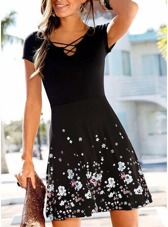 Nadrukowana/Kwiatowy Krótkie rękawy W kształcie litery A Nad kolana Casual Sukienki