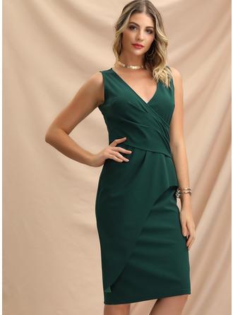 Solid Sleeveless Sheath Knee Length Party Dresses