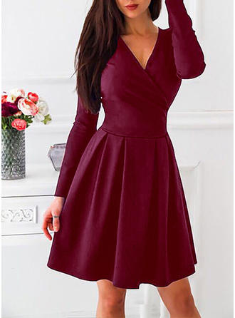 Solid Long Sleeves A-line Knee Length Vintage Dresses