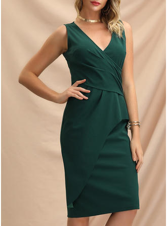 Solid Sleeveless Sheath Knee Length Party Dresses