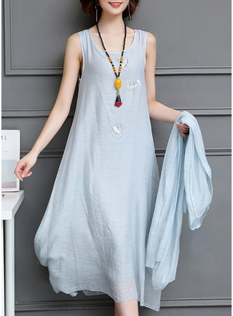 Embroidery Solid Round Neck Midi Shift Dress (Two Pieces)