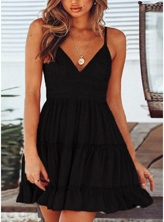 Lace/Solid Sleeveless A-line Above Knee Little Black/Sexy/Casual/Party/Vacation Dresses