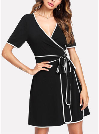 Solid V-neck Above Knee Sheath Dress