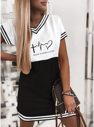 Nadruk/Blok Koloru/W paski/Serce/Wytłaczany Krótkie rękawy Suknie shift Nad kolana Nieformalny T-shirt Sukienki