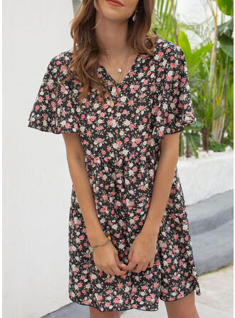 Print/Floral Short Sleeves/Flare Sleeves Shift Above Knee Casual/Vacation Dresses