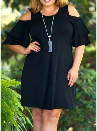 Plus μέγεθος Egyszínű Kivágott vállú Shift Térd feletti Ανέμελος Kis fekete Φόρεμα