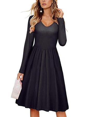 Couleur Unie Manches Longues Trapèze Longueur Genou Petites Robes Noires/Décontractée/Élégante Robes
