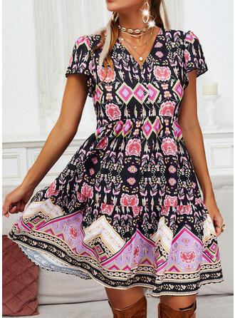 Nadrukowana/Kwiatowy Krótkie rękawy W kształcie litery A Nad kolana Casual Łyżwiaż Sukienki