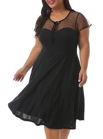 Couleur Unie Manches Courtes Trapèze Au-dessus Du Genou Petites Robes Noires/Sexy/Fête/Grande taille Robes