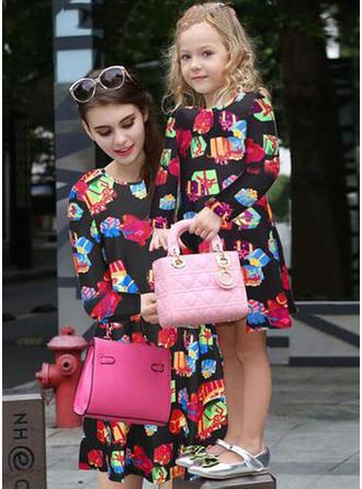 Mamo i ja Wydrukować Dopasowywanie Sukienki