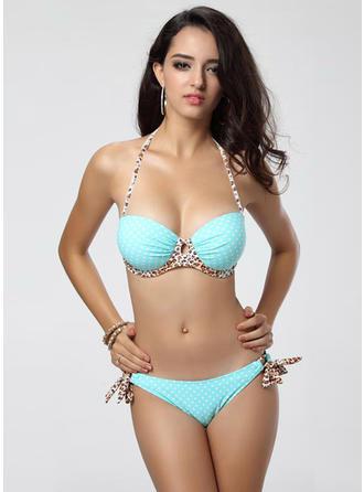 Piękny lampart Kropka Bikini