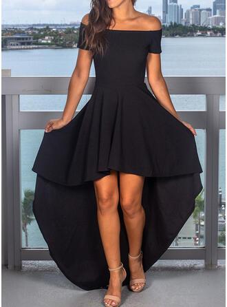 Couleur Unie Manches Courtes Trapèze Asymétrique Petites Robes Noires/Fête/Élégante Robes