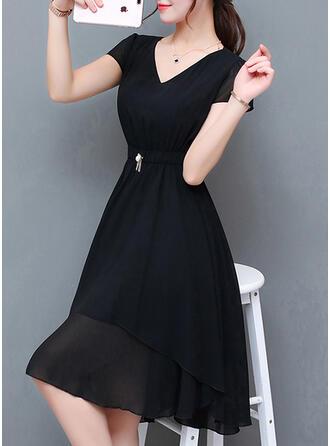 Fast Korta ärmar A-linjeformad Asymmetrisk Vintage/Den lilla svarta/Fritids/Elegant Klänningar