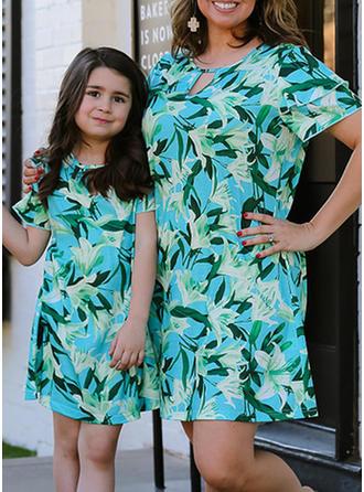 Mama und Ich Blumen Drucken Passende Kleider