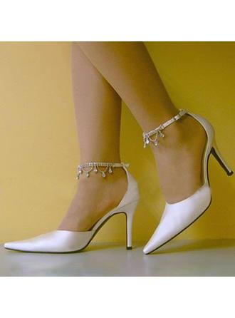 Women's Leatherette Kitten Heel Closed Toe Pumps With Crystal