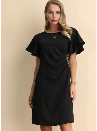 Paillettes/Couleur Unie Manches Courtes Trapèze Longueur Genou Petites Robes Noires/Fête/Élégante Robes