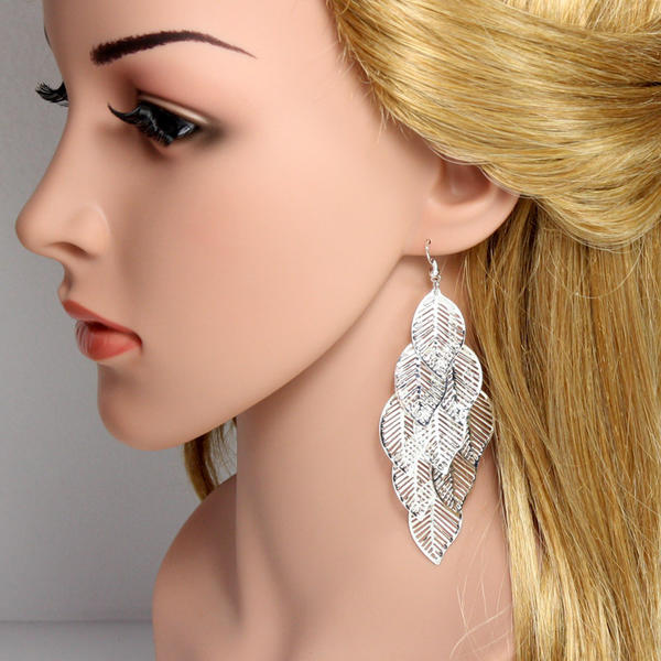 Exquisite Alloy Ladies' Fashion Earrings