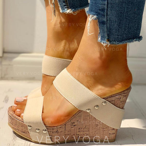 Naisten PU Wedge heel Sandaalit Peep toe Tossut jossa Niitti kengät