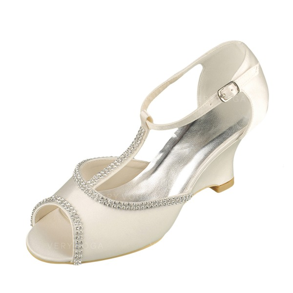 a4643bc2a12 Kvinnor Satäng Kilklack Peep Toe Sandaler med Strass (047090900 ...